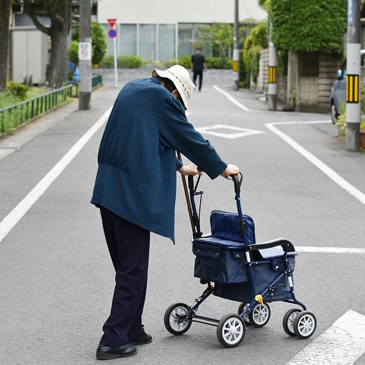 一人暮らしの高齢者が増えている